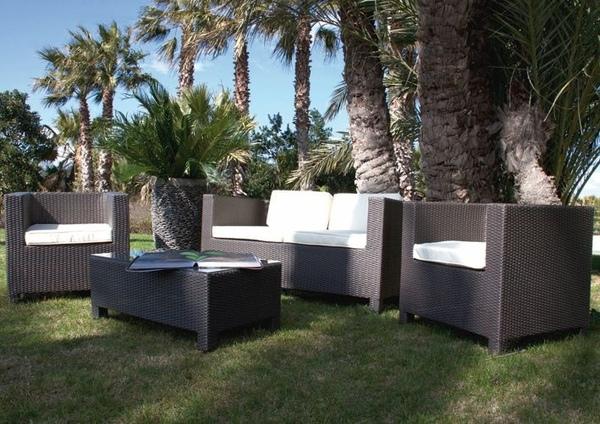 Salotto da giardino in polyrattan colore marrone mod for Salotto giardino offerta