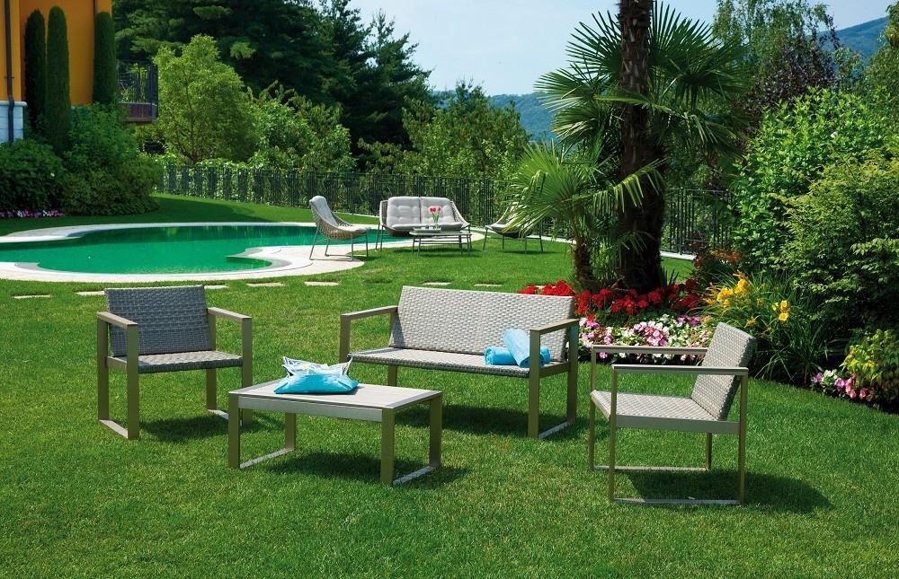 Set milazzo divano 2 poltrone cuscino tavolino rattan for Arredo giardino rattan sintetico offerte