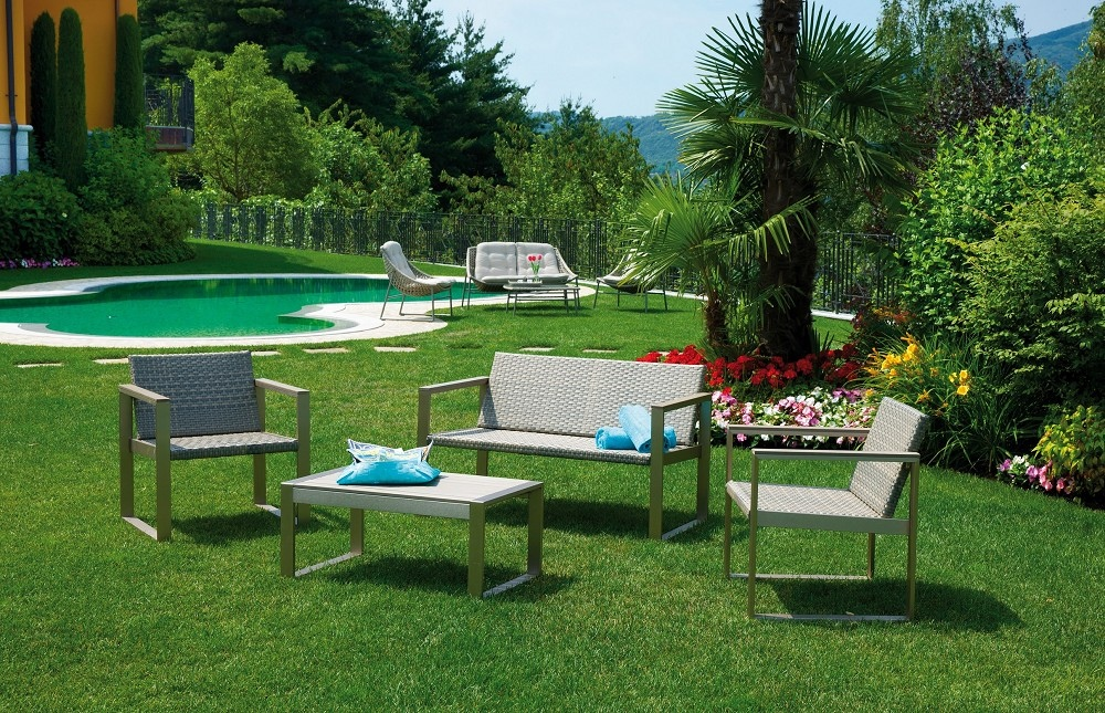 Tavolino Giardino Wicker Shanghai : Set milazzo divano poltrone cuscino tavolino rattan