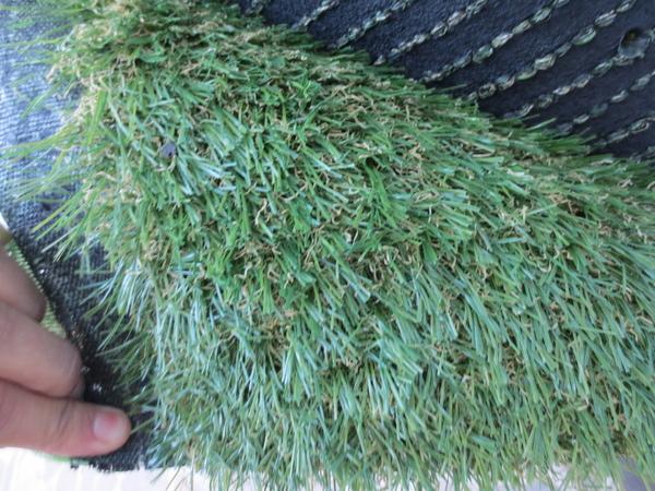 Le prato verde sintetico erba sintetica per piscine mod for Prato sintetico listino