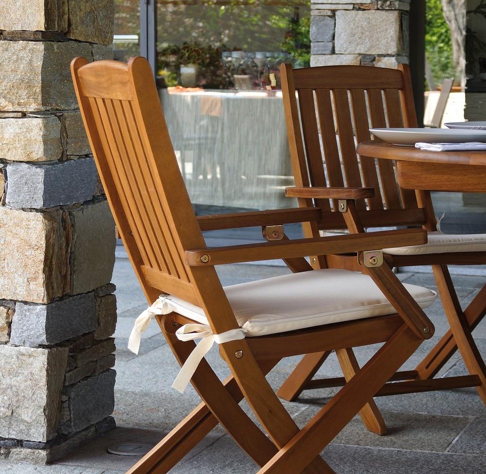 Sedia pieghevole siviglia con braccioli in legno d 39 acacia for Sedie giardino esterni