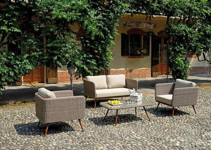 salottino da giardino moderno COFFEE SET SALAMANCA  con gambe color legno e wicker paglia 2 poltrone  1 divano 1 tavolino  SET 63