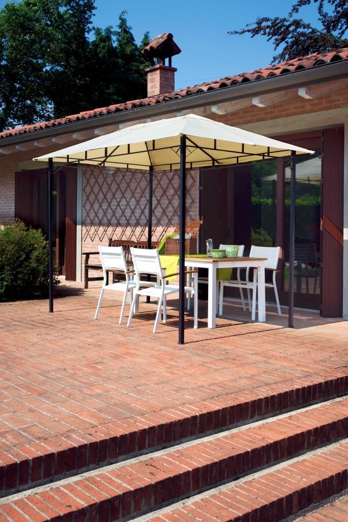 Tipologia gazebi da giardino in ferro rettangolare 3x2 m for Gazebo proiettato con camino