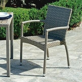 Sedia le havre la linearit del design moderno l 39 estetica for Mobili da giardino rattan sintetico