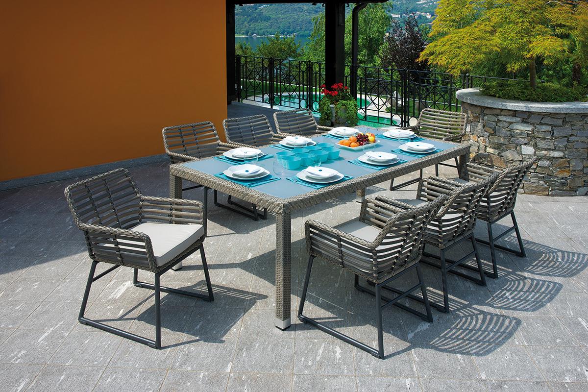 La linearit del design moderno l 39 estetica pari a quella for Quella del tavolo e liscia