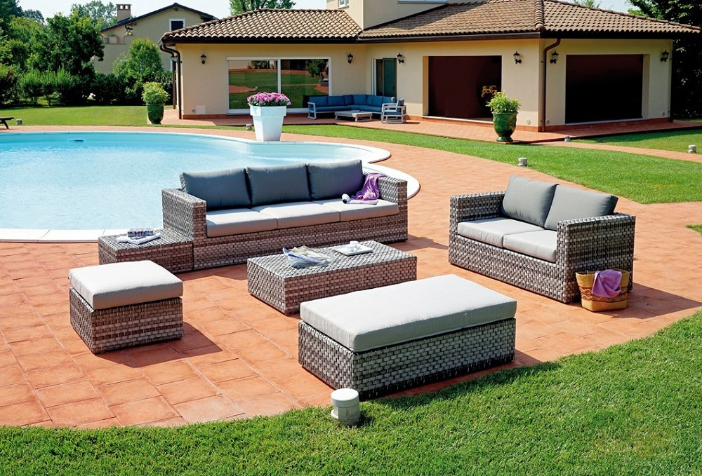Set saint tropez in rattan sintetico color grigio composto for Set arredo giardino