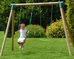 Altalena in legno IRIS da giardino per bambini doppia in legno 2 posti IRIS L.2,70 x P.1,90 x H. 1,90 m