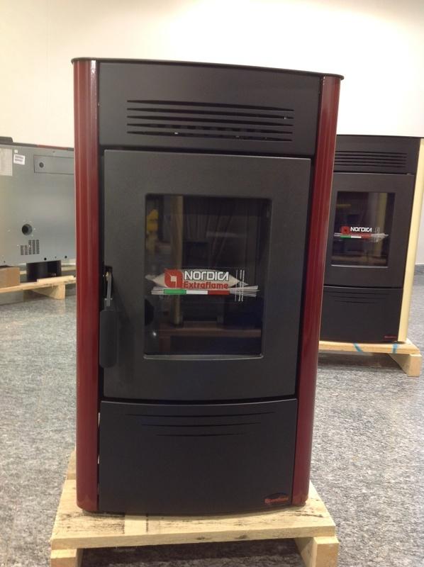 Stufa a pellet nordica extraflame dorina rivestimento in acciaio potenza termica 6 2 kw colore - Stufe a pellet a basso costo ...