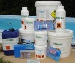 Trattamento per piscine kit base per mantenere acqua pulita 1