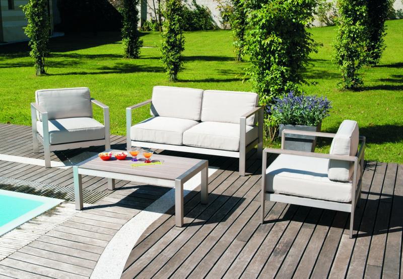 Set giardino coffee set levanto divano 2 poltrone tavolino for Divano esterno legno