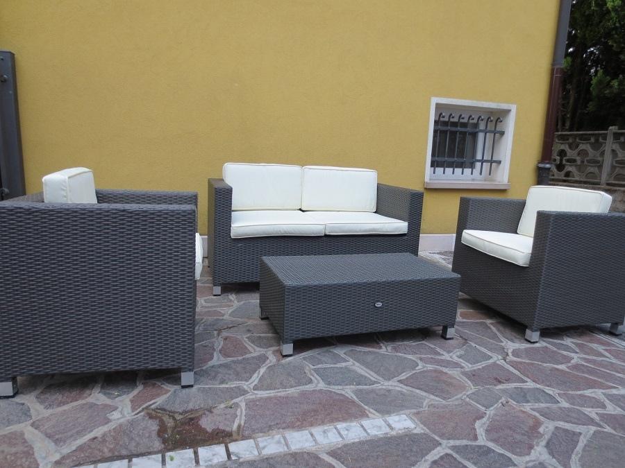 Salotto da giardino in polyrattan colore marrone mod for Salotto da giardino amazon