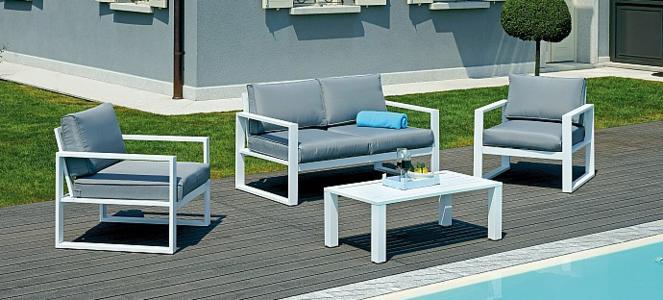 Arredamento giardino lusso for Salottino da esterno offerte