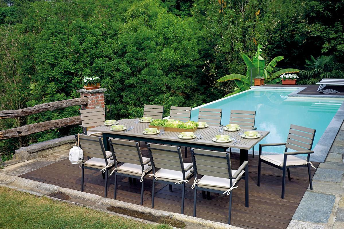 Set da pranzo per giardino in alluminio e resin wood con for Tavolo con sedie da giardino offerte